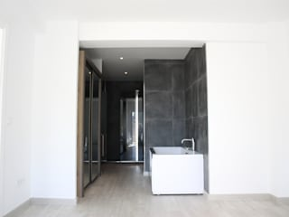 Modern Bathroom by DESIGN VILLAS MORAIRA SL Modern