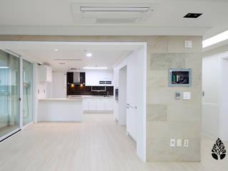 [休] 가족을 위한 자연같은 집 모던스타일 주방 by 비자림인테리어 모던