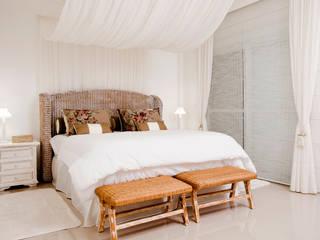 Priscila Koch Arquitetura + Interiores Camera da letto in stile rustico