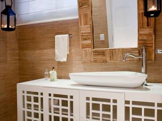 Ванная комната в рустикальном стиле от Priscila Koch Arquitetura + Interiores Рустикальный
