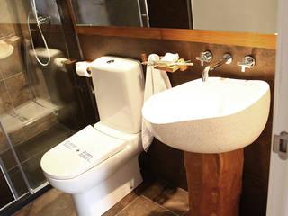 Baño casa rural: Hoteles de estilo  de Gemmalo arquitectura interior