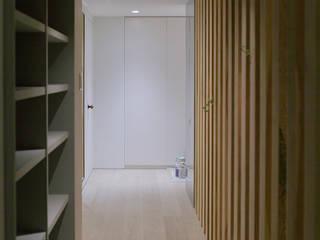 studio m+ by masato fujii Modern corridor, hallway & stairs