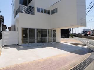Modern houses by 有限会社 橋本設計室 Modern