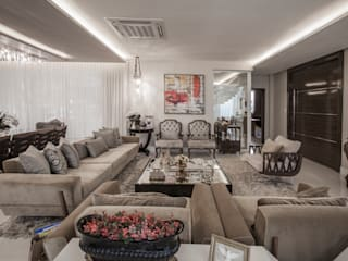 Phòng khách phong cách kinh điển bởi Heloisa Titan Arquitetura Kinh điển