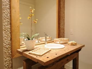 Salle de bains de style  par João Luís Linck | Arquitetura