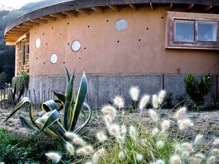 โดย ALIWEN arquitectura & construcción sustentable - Santiago ชนบทฝรั่ง