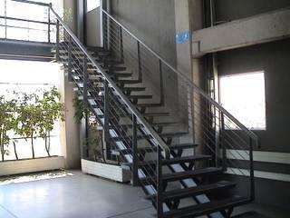 Ampliación y remodelación de Centro de Distribución PRE - UNIC por ALIWEN Pasillos, vestíbulos y escaleras modernos de ALIWEN arquitectura & construcción sustentable - Santiago Moderno