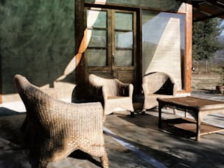 Terraza Balcones y terrazas rurales de ALIWEN arquitectura & construcción sustentable - Santiago Rural