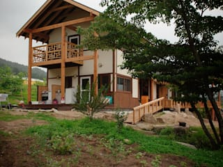 층층나무집 (Geochang house) Casas modernas de 위빌 Moderno