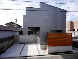 Casas modernas por 有限会社 橋本設計室
