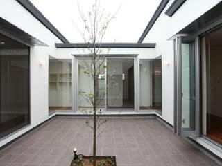 Jardins asiáticos por 有限会社 橋本設計室