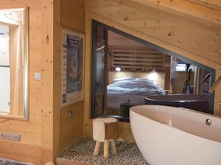 Soleya Salle de bain moderne par Chevallier Architectes Moderne Bois Effet bois