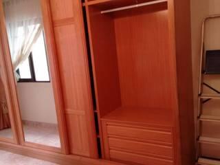 Cooperativa de la madera 'Ntra Sra de Gracia' BedroomWardrobes & closets