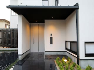 三重県・伊賀 「雁行の家」 モダンな 家 の CN-JAPAN/藤村正継 モダン