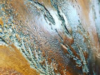 Decorazione materica per pareti: Soggiorno in stile  di Antonio liso