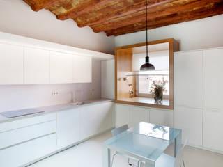 Cocina Cocinas de estilo minimalista de CABRÉ I DÍAZ ARQUITECTES Minimalista