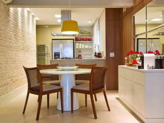 Marcelo Bicudo Arquitetura Modern dining room