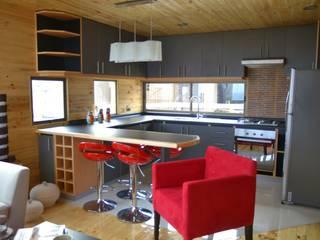 Cabaña Loft San Antonio Cocinas de estilo moderno de EstradaMassera Arquitectura Moderno Madera Acabado en madera
