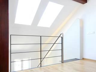 Dachumbau Architekt Armin Hägele Moderner Multimedia-Raum