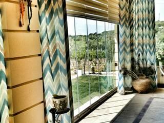 OVACIK ÇEŞME BAĞ EVİ Kırsal Balkon, Veranda & Teras ege perde Kırsal/Country