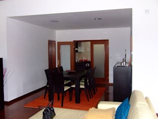Modern dining room by Vasco Rodrigues, arquitecto Modern