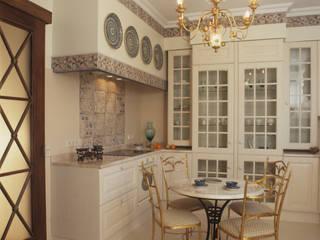 Квартира в стиле ампир: Кухни в . Автор – Guseva-style