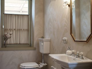 Classic style bathrooms by LUSH Design Classic