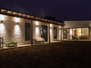 Casa de Campo. Club Ecuestre de Huachipa Casas de estilo moderno de FURSE.arquitectura Moderno