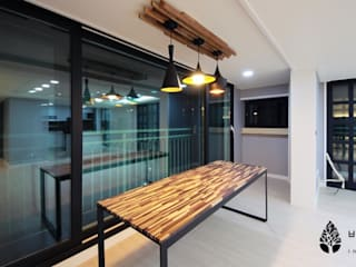 Dining room by 비자림인테리어, Modern