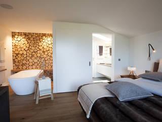 Dormitorios de estilo  por Catharina Baratta ARCHITEXTURE