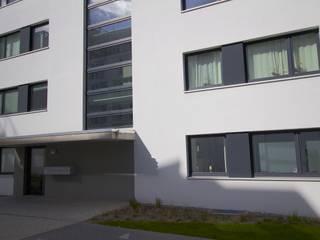 WDVS Fassade - Neubau in Hamburg Moderne Häuser von Matthias Koch Malermeister Modern