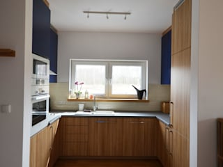 Dom jednorodzinny akw Nowoczesna kuchnia od Szalbierz Design Nowoczesny