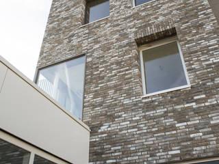 Modern Houses by CMOarchitect bna Modern