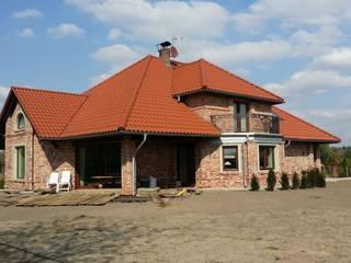 Budynek mieszkalny jednorodzinny z dobudowanym garażem samochodowym w Dąbrowie Górniczej. od Architekt Marek Majewski