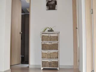 ESTUDIO DUSSAN Eclectic style corridor, hallway & stairs