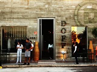 Loja Doff Roupas Masculinas Casas modernas por paola consoni arquitetura e designer de interior Moderno