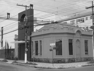 Escritório de advocacia Edifícios comerciais modernos por Jader e Ivan Arquitetos Moderno