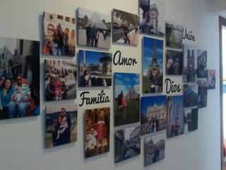 FotoGalerías Personalizadas Pasillos, vestíbulos y escaleras modernos de Cuarto de Luz: fotografía y decoración Moderno