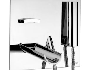 Quinta Strada - Ceramic Store BathroomFittings