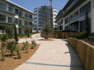 Inovstone Bujardado Jardins modernos por Amop Moderno