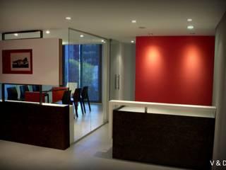 ESTUDIO DE ABOGADOS Oficinas y comercios de estilo moderno de VETA & DISEÑO Moderno