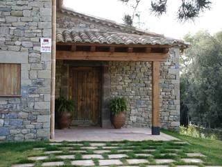 Casas de estilo  por Atres Arquitectes