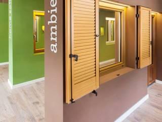 Moderne Fenster & Türen von MARTOCCHI SERRAMENTI SRL Modern