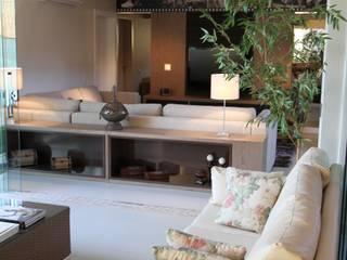 BRAVIM ◘ RICCI ARQUITETURA Modern balcony, veranda & terrace