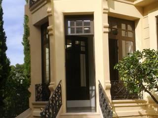Rehabilitación Elementos Decorativos en Edificio Emblematico: Casas de estilo  de Sociedad Limitada