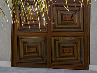 Дома в стиле модерн от BRAVIM ◘ RICCI ARQUITETURA Модерн