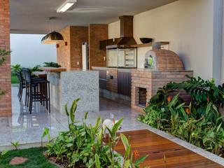 BRAVIM ◘ RICCI ARQUITETURA Modern Terrace