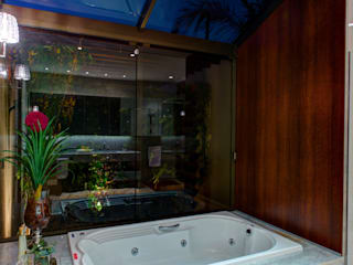Baños de estilo moderno de BRAVIM ◘ RICCI ARQUITETURA Moderno