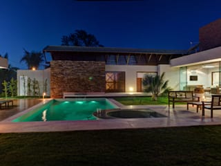 Casas estilo moderno: ideas, arquitectura e imágenes de BRAVIM ◘ RICCI ARQUITETURA Moderno