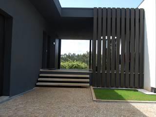 Casa da Vinha: Casas  por Engebasto - Atividades de Engenharia e Arquitetura, Lda